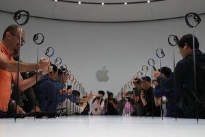 Doanh số smartwatch tăng trưởng mạnh nhờ Apple và Fitbit