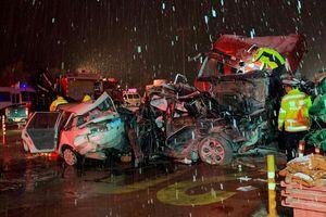 Xe tải tông liên hoàn ở Trung Quốc, 15 người thiệt mạng