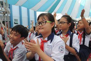 Đề xuất miễn học phí cấp THCS của TPHCM: Nên chờ sửa Luật Giáo dục