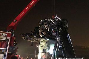 Xác định danh tính nạn nhân đầu tiên trong vụ lao xe xuống sông Hồng