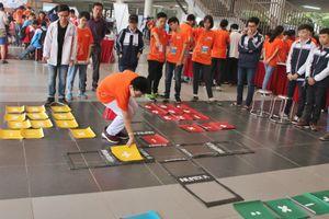 'Toán học làm sôi động cả thế giới' của các bạn học sinh