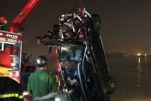 Vụ xe Mercedes lao xuống sông Hồng: Hé lộ danh tính chủ nhân chiếc xe gặp nạn