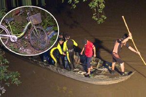 Bé gái 7 tuổi ngã xuống sông chết đuối sau khi bị xe máy tông lúc đang dắt bộ xe: Thương tâm khi tìm thấy thi thể