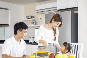 Người vợ ân tình khiến bạn bè của chồng cảm phục