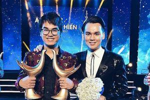 Liên tiếp gặp vận hạn, sau scandal bài hát nhạy cảm, Khắc Hưng tiếp tục bị nghi vấn chia tay người yêu 10 năm