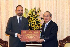 Bí thư Thành ủy Thành phố Hồ Chí Minh Nguyễn Thiện Nhân hội kiến Thủ tướng Cộng hòa Pháp