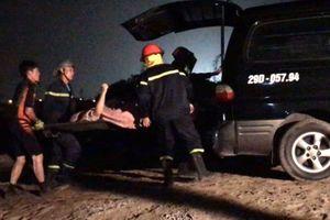 Xác định 2 nạn nhân nữ tử vong trong xe Mercedes rơi xuống sông Hồng