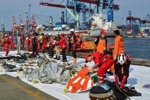 Indonesia kéo dài thời gian tìm kiếm thi thể trong vụ máy bay Lion Air rơi