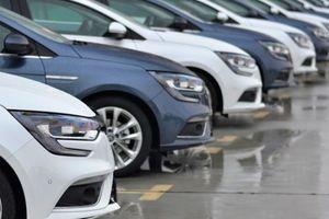Vượt BMW và Mercedes, Toyota được tìm kiếm nhiều nhất