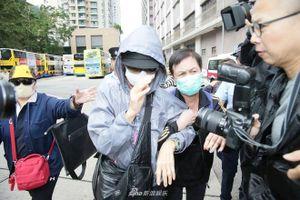Chị gái đến nhà xác để nhận thi thể Lam Khiết Anh
