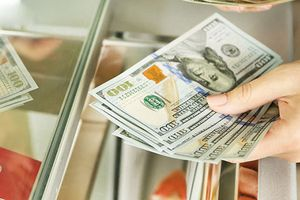 Cần Thơ thống nhất miễn phạt 90 triệu đồng cho người đổi 100 USD