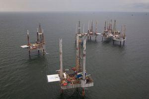 Giá dầu giảm trong bối cảnh Mỹ áp lệnh trừng phạt với Iran
