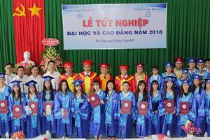 Trường ĐH Nha Trang trao bằng tốt nghiệp cho SV đào tạo tại Kiên Giang