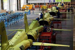 Hé lộ những hình ảnh về việc Iran sản xuất chiến đấu cơ thế hệ thứ 4