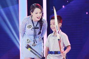 'Thần đồng bắn cung' 7 tuổi khiến Trấn Thành kinh hãi với tài thiện xạ siêu đẳng
