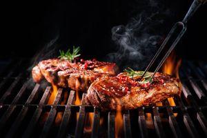 9 rủi ro liên quan đến ăn quá nhiều protein
