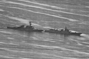 Hé lộ giây phút tàu chiến Mỹ - Trung suýt đụng độ trên Biển Đông
