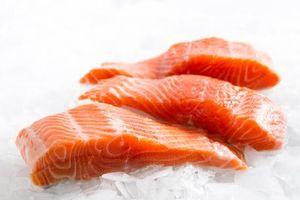 Giảm các triệu chứng hen suyễn ở trẻ em nhờ ăn cá béo