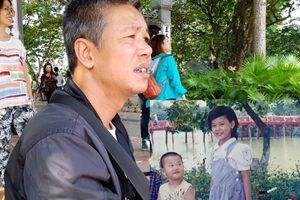 Bé gái 9 tuổi bỏ đi cách đây 14 năm sau trận đòn của bố: Cô bé đáng yêu qua kí ức những người thợ chụp ảnh bên hồ Hoàn Kiếm