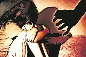 Bé gái 4 tuổi bị 5 gã đàn ông cưỡng hiếp trong bệnh viện Ấn Độ