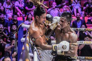 Bất chấp đổ máu, 'Thánh Muay' Buakaw vẫn hạ đẹp nhà vô địch châu Âu