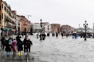 Lũ lụt ở Italy làm ít nhất 30 người chết