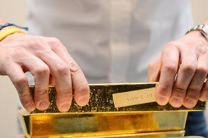 Giá vàng và USD cùng giảm sáng đầu tuần