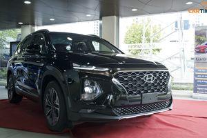Cận cảnh xe Hyundai Santa Fe 2019 phiên bản lắp ráp trưng bày tại đại lý