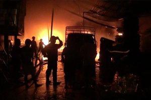 Liên tiếp xảy ra hỏa hoạn, nhiều nhà xưởng bị thiêu rụi