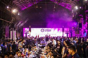 OnePlus đạt kỷ lục Guinness Thế giới khi đập hộp OnePlus 6T tập thể