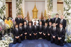 Cầu thủ Leicester đau buồn viếng cố Chủ tịch Vichai
