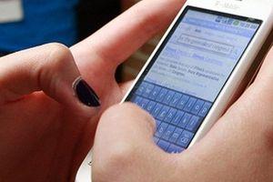 Mất hơn 800 triệu đồng vì thực hiện theo lời đe dọa qua điện thoại