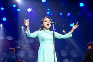 Live concert Lan Anh: Sang trọng, đẳng cấp và nhiều cảm xúc