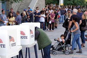Cử tri Mỹ đi bỏ phiếu sớm bầu cử giữa nhiệm kỳ 2018
