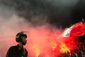 Chủ tịch bóng đá Lào: 'Mong CĐV Việt Nam không đốt pháo sáng'