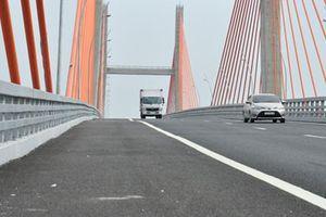 Cầu Bạch Đằng hơn 7.000 tỉ đồng vừa xây xong đã vênh