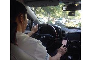 'Đại chiến' taxi: Hoang mang, tài xế tính bán xe trả nợ