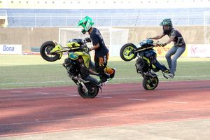 VCK giải U.21 Báo Thanh Niên 2018: Huế sôi động với bóng đá và biểu diễn đua xe