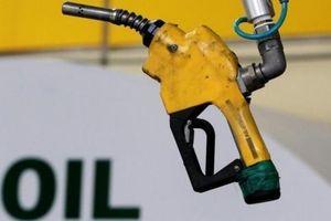 Giá dầu vẫn ở đáy bất chấp lệnh trừng phạt của Mỹ vào Iran