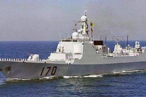 Tàu chiến Trung Quốc bất ngờ hành động 'lạ' với chiến hạm lớn nhất của Nhật
