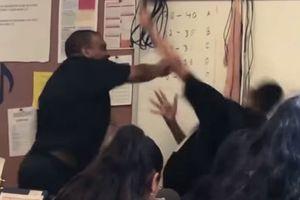 Giáo viên đánh học sinh được người cảm thông biếu tiền tỷ