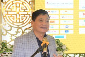 Nhà báo Nguyễn Công Khế cảm ơn các trung tâm đào tạo bóng đá trẻ cả nước đã ươm mầm cho cầu thủ dự giải U.21