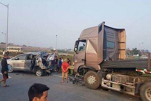 'Tài xế container không thể cho xe chạy lùi để giữ khoảng cách an toàn'