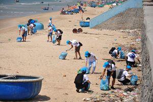 Quản lý chất thải nhựa trên biển: Cần chính sách toàn diện