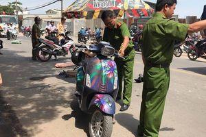 Né xe ba gác chạy ẩu, hai cô gái thương vong dưới gầm ô tô tải ở Sài Gòn
