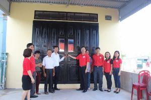 Ninh Bình bàn giao nhà chữ thập đỏ cho hộ nghèo