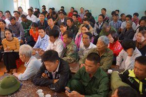Hơn 800 phụ huynh ở Thanh Hóa phản đối sáp nhập trường