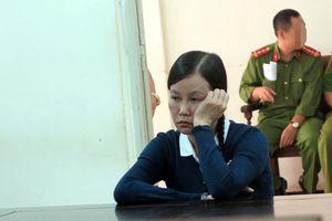 Lừa đảo 5,5 tỷ, cựu cán bộ VKSND Tối cao lĩnh 18 năm tù
