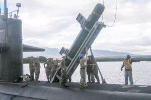 Mỹ tái trang bị tên lửa đối hạm Harpoon cho tàu ngầm