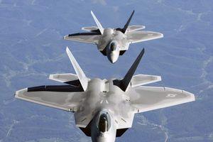 F-22 của Mỹ chặn gần 600 máy bay trên bầu trời Syria